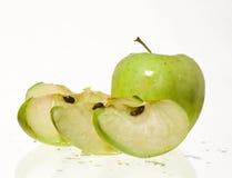 яблоко плюс ломтики Стоковое Изображение