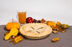 Яблочный пирог падения стоковое фото rf
