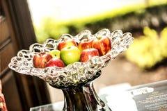 Яблоки в вазе Стоковое Фото