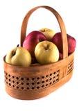 Яблоки в корзине Стоковые Фотографии RF