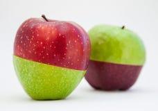 яблоки изолировали зрелую белизну 2 Стоковые Фотографии RF