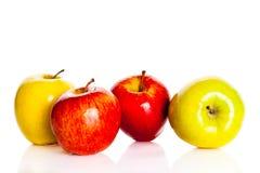 Яблоко изолировало на питании белых плодоовощей предпосылки здоровом Стоковая Фотография