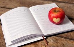 Яблоко с сердцем стоковое фото rf