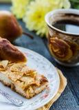 Яблочный пирог с чашкой кофе, завтрак Стоковые Фото