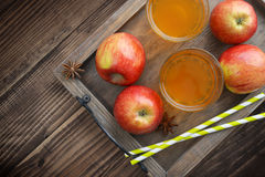 Яблочный сидр в стекле стоковая фотография