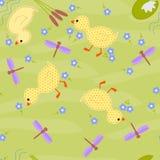 Ягнит безшовная зеленая предпосылка с стилизованными утками Стоковое Изображение