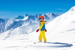 Ягнит спорт снега зимы Лыжа детей Катание на лыжах семьи Стоковая Фотография RF