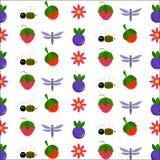 Ягоды и милые насекомые стоковые изображения rf