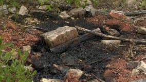 Ядовитые отходы Ядовитый материал химикаты и масло Загрязнение окружающей среды сток-видео