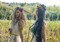 Языческие девушки в лесе Стоковое фото RF