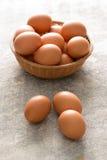 3 яичка Брайна плетеным шаром яичек Стоковые Изображения RF