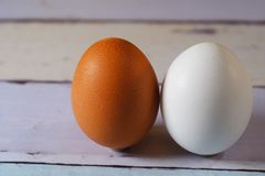 2 яичка других цветов Стоковые Изображения RF