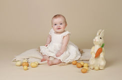 Яичка зайчика пасхи младенца Стоковые Фото