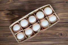 Яичка, коробка яичек цыпленка Стоковые Фотографии RF