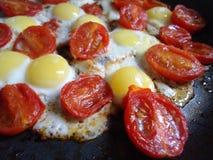 Яичка триперсток с томатами вишни Стоковое фото RF