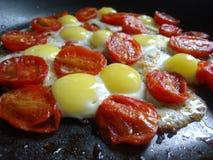 Яичка триперсток с томатами вишни Стоковое Изображение RF