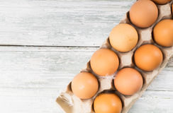 яичка цыпленка коробки Стоковое фото RF