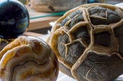 Яичко песчаника и минеральный шарик Стоковые Фото