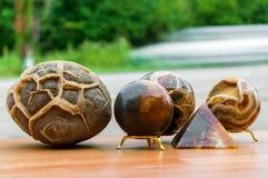 Яичко песчаника и минеральный шарик Стоковые Фотографии RF