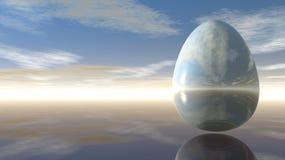 Яичко под пасмурным небом Стоковые Фотографии RF