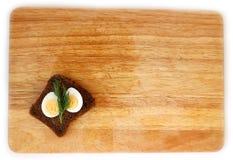 Яичко триперсток и wholegrain положение квартиры хлеба Стоковое Фото