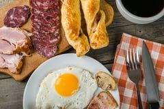 Яичницы, бекон и toastes Стоковое Фото