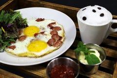 Яичницы и кофе, завтрак Стоковая Фотография