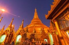 Янгон, Мьянм-февраль 19,2014: Пагода Shwedagon Стоковые Фотографии RF