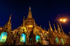 Янгон, Мьянм-февраль 19,2014: Пагода Shwedagon Стоковое фото RF