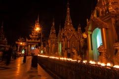Янгон, Мьянм-февраль 19,2014: Пагода Shwedagon Стоковая Фотография RF