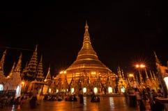 Янгон, Мьянм-февраль 19,2014: Пагода Shwedagon Стоковые Фото