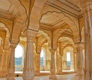 янтарный форт Индия колоннад Стоковые Фото