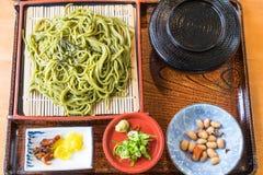 Японец Cha Soba (зеленый чай Soba) в блюде Стоковые Изображения