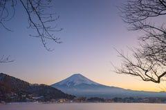 Япония, гора Фудзи, озеро Kawaguchiko в после полудня осени, с Стоковое фото RF