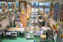 Япония, Саппоро - 13-ое января 2017: Ishiya, фабрика шоколада Стоковое фото RF