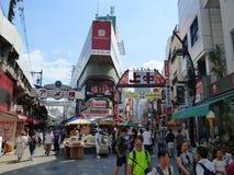 япония Токио Район Ueno Рынок Ameya-Yokocho стоковое изображение