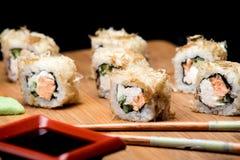 Японская еда, суши пеламиды с зажаренными семгами Стоковое Фото
