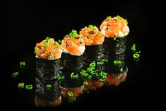 Японская еда - Gunkan-maki Стоковые Фотографии RF