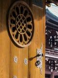 Японская деталь двери стоковая фотография rf