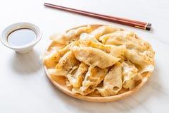 Японская закуска gyoza или вареников стоковые фото