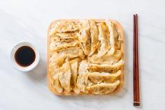Японская закуска gyoza или вареников стоковые изображения