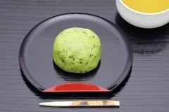 Японская кондитерская, торт Kusa Mochi стоковые изображения rf
