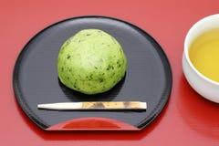 Японская кондитерская, торт Kusa Mochi стоковые фотографии rf