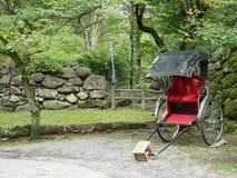 Японская рикша в парке Стоковые Изображения RF
