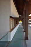 Японская современная архитектура, новый дизайн виска в Kotohira Стоковые Изображения RF