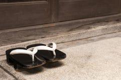 Японские деревянные традиционные ботинки Стоковое Изображение