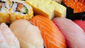 Японские очень вкусные суши в комплекте коробки для завтрака Стоковые Изображения RF