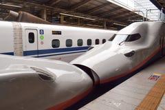 Японский высокоскоростной сверхскоростной пассажирский экспресс стоковое изображение
