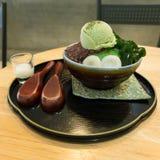 Японский лед зеленого чая побритый стоковые фотографии rf