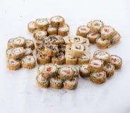 Японский ресторан еды, плита крена maki суш gunkan или комплект диска Комплект и состав суш Стоковые Изображения RF